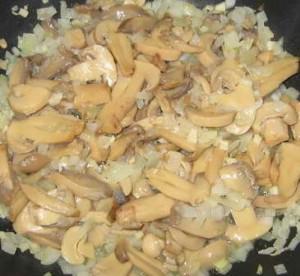 img 4719 resize1 300x276 Paste cu bacon şi ciuperci