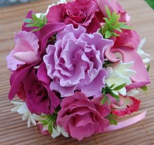 dsc 3920 resize 300x283 La mulţi ani tuturor florilor!!!
