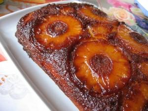 IMG 7981 resize 300x225 Prăjitură cu ananas rasturnata (pineapple upside down cake)