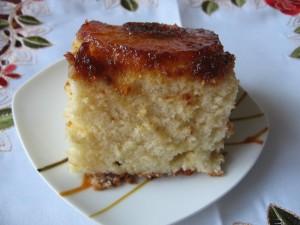 IMG 7983 resize 300x225 Prăjitură cu ananas rasturnata (pineapple upside down cake)