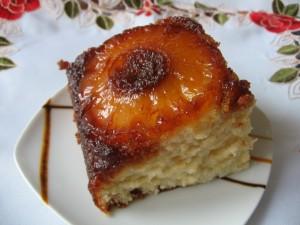 IMG 7984 resize 300x225 Prăjitură cu ananas rasturnata (pineapple upside down cake)